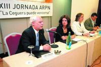 De izquierda a derecha José María Casado Aguilera, presidente de Retina Navarra seguido de la Directora General de Asuntos Sociales de Navarra, la Consejera de Salud del Gobierno Foral de Navarra y el Concejal delegado de Asuntos Sociales del Ayuntamiento de Pamplona